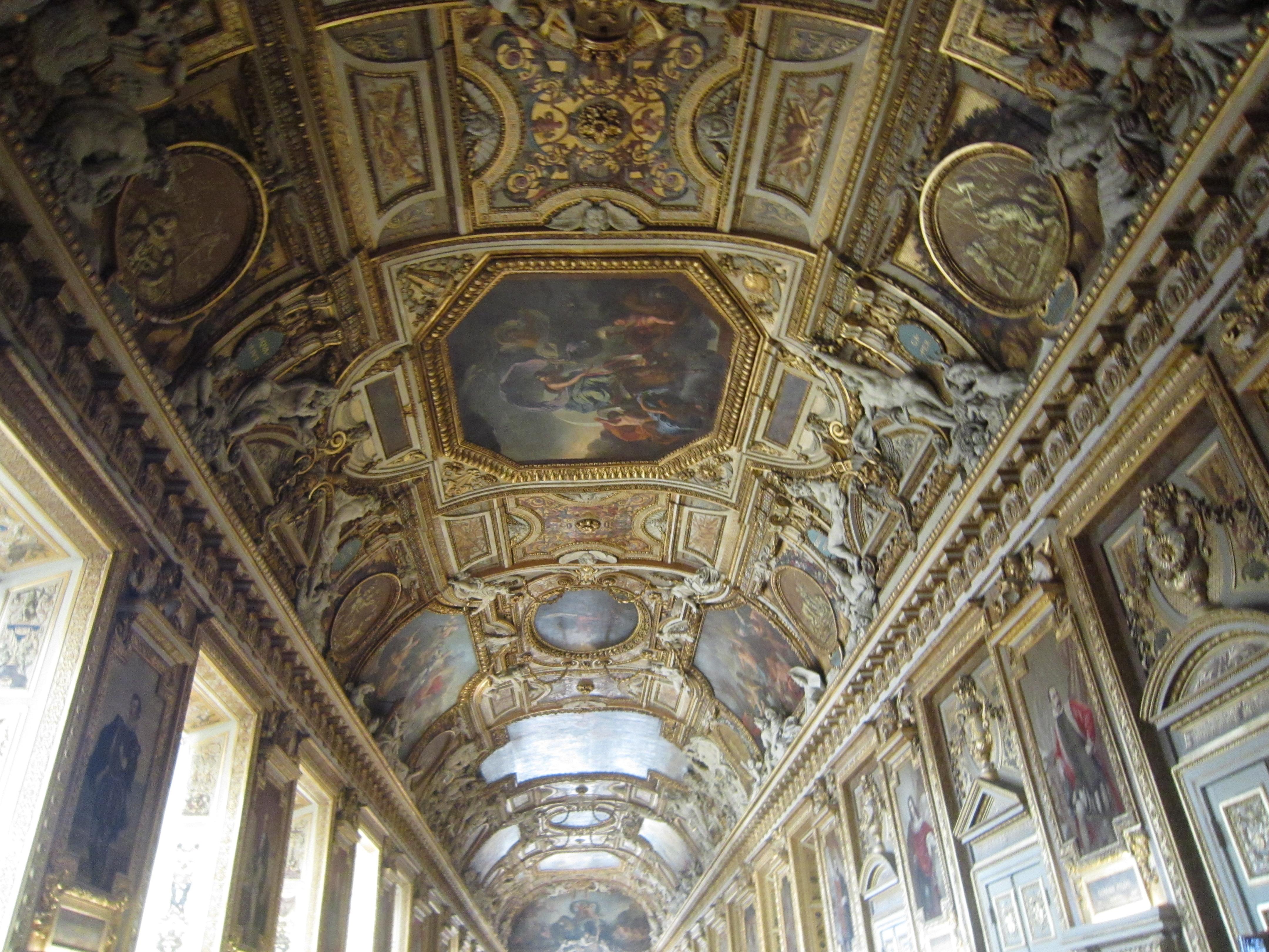 卢浮宫一角